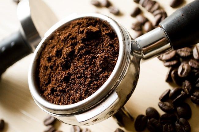 молотый черный кофе