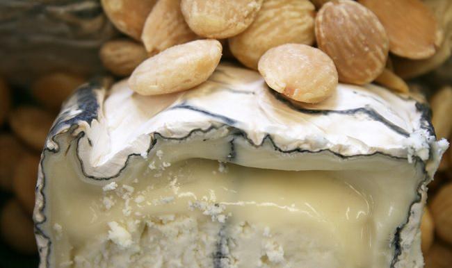 сыр с орехами