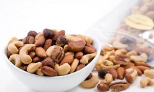 чашка с орешками