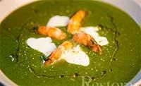 Суп-пюре из шпината с креветками