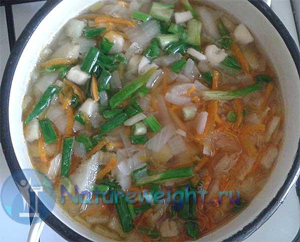 овощной суп с зеленым луком