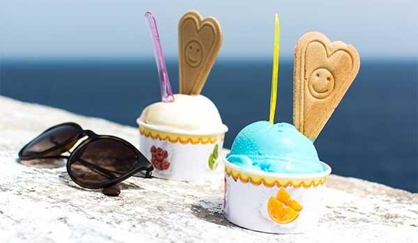 стаканчики с мороженым