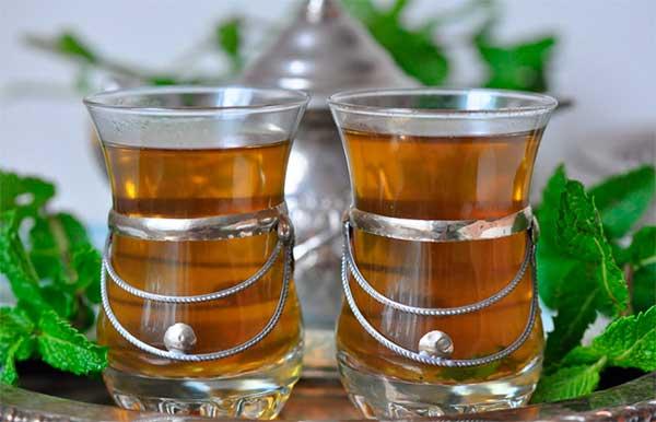 стаканы чая