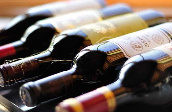 бутылки с вином