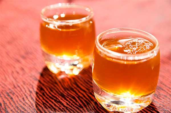 стаканы с уксусом из яблок