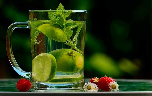 Почему нужно пить много воды, чтобы похудеть