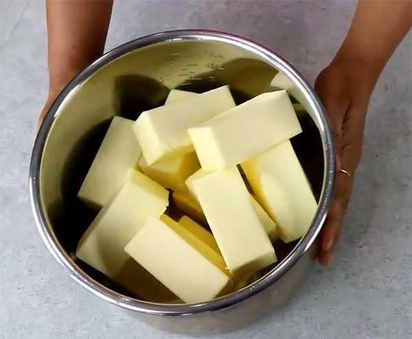 масло в чаше мультиварке
