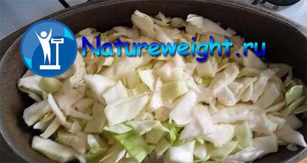 свежая и квашеная капуста в утятнице