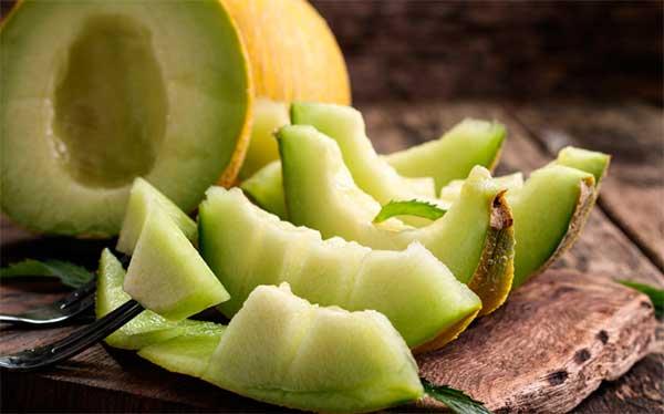 Польза дыни для здоровья, каков вред, можно ли есть при похудении и диабете