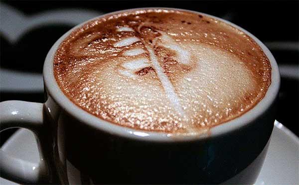 Как влияет кофе на давление: повышает или понижает?