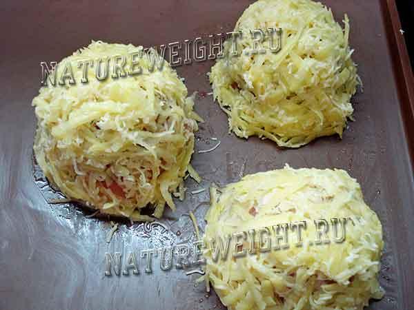 добавление сыра и картошки