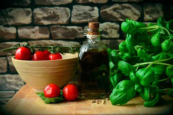 оливковое масло с помидорами