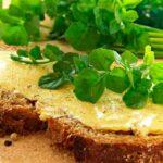 бутерброд с кресс салатом