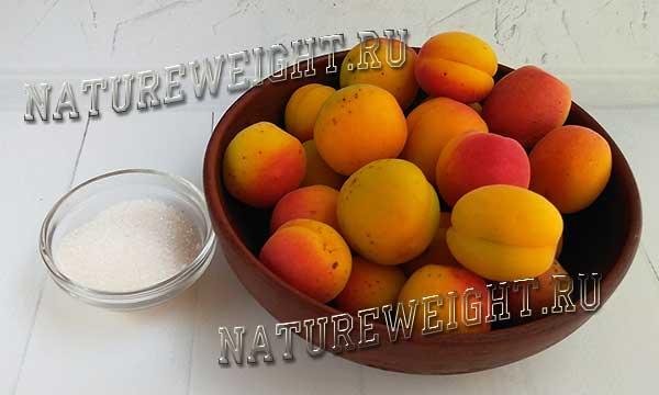 абрикосы и сахар