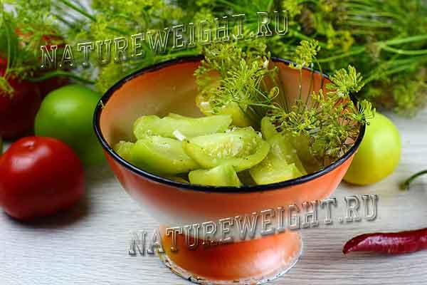 зеленые помидоры, квашеные дольками