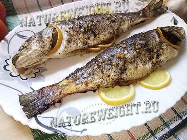 рыбное блюдо из сибаса