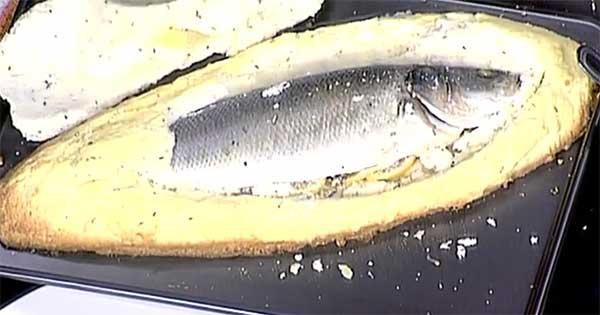 рыба под солевой корочкой