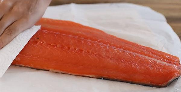 промакивание рыбного филе