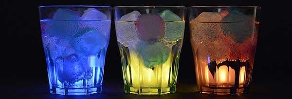 стаканы с напитками