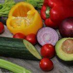 авокадо и овощи