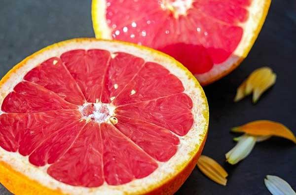 половинки грейпфрута