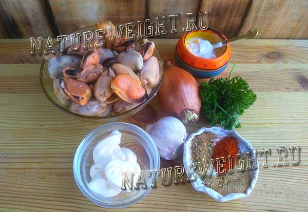 ингредиенты, необходимые для приготовления блюда из морепродуктов