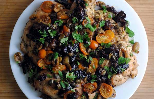 курица, тушеная с овощами и цитрусами