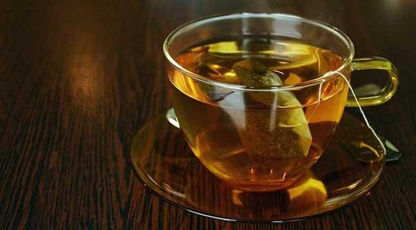 чашка чая с бергамотом