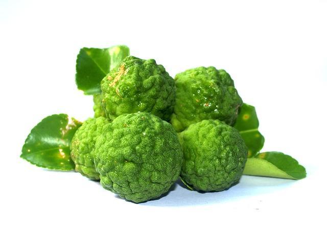 зеленый плод C.bergamia