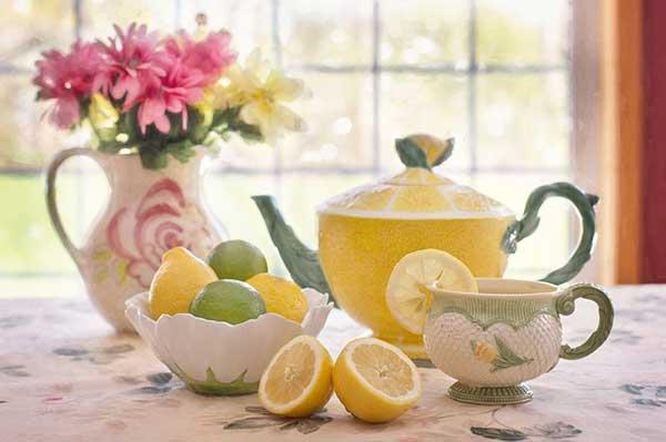Чашка чая и цитрусы